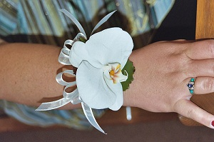 how to make an orchid corsage