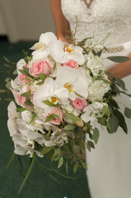 orchid-wedding-bouquet.png