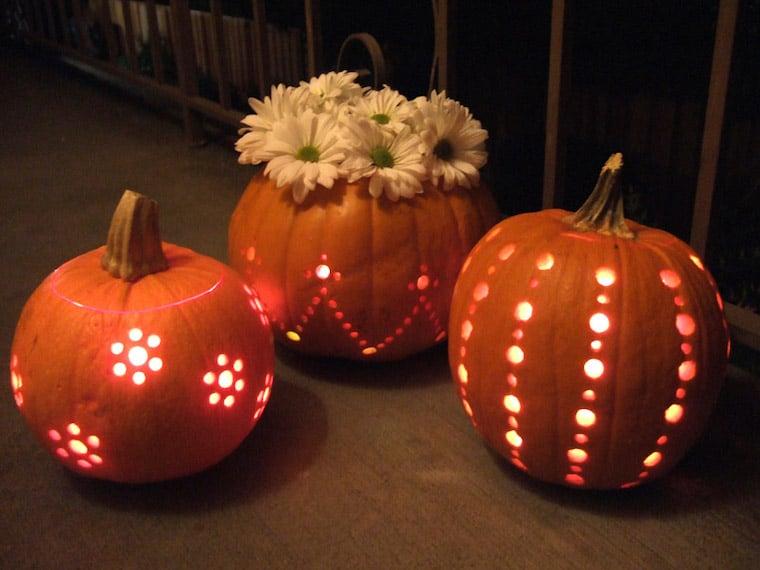 patterned-lit-pumpkins