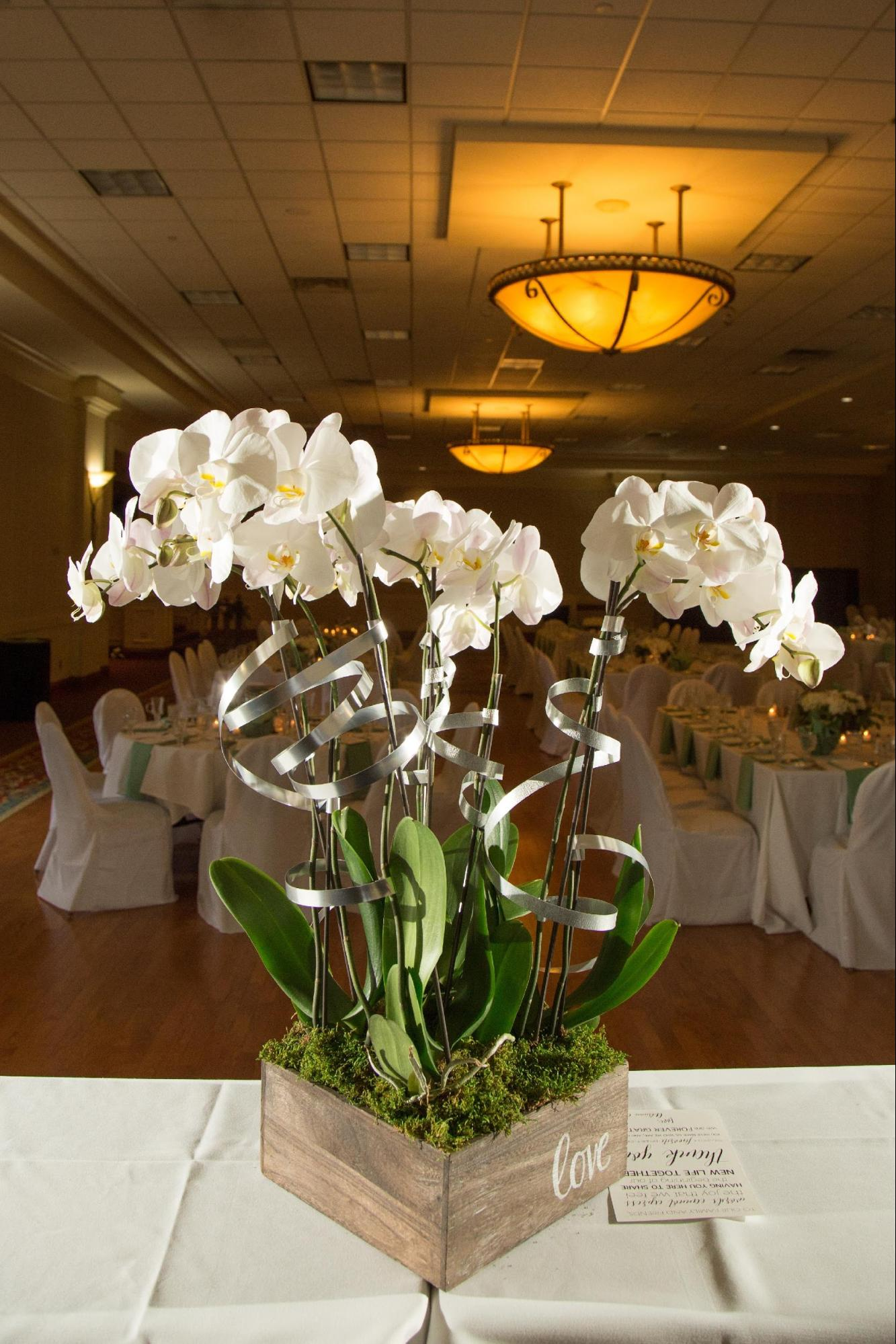 wedding floral table centerpiece